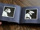 Najde se tu i fotoalbum hrdinky známé knížky Dášeňka, čili život stěněte.