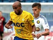Teplický Alves Freitas Santos Nivaldo si vede míč v utkání proti Jihlavě.