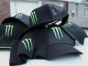 Padělané čepice, které prodával na Grad Prix šestačtyřicetiletý Ital.