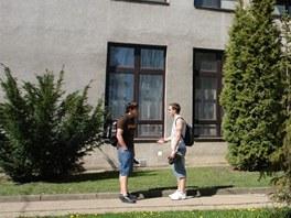 Střední průmyslová škola dopravní - budova v Plzeňské ulici v prasžském Motole