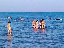 To, co mnoho lidí odsuzuje, tedy velmi malý spád pobřeží, je naopak výhodou pro...