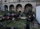 Sobotn� akce squater� na pra�sk�m Poho�elci (31. srpna 2013)