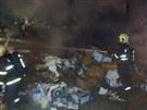 Hasiči likvidují hořící návěs kamionu na Pražském okruhu (30.8.2013)