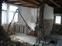 Skrabani zdi v panelaku