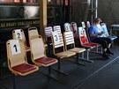 Celkem osm typů sedaček dal pražský dopravní podnik testovat cestujícím ve svém