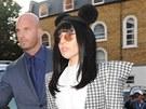 Relativně nejstřízlivější kostým zvolila Lady Gaga cestou na zvukovou zkoušku