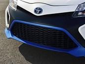 Toyota Yaris Hybrid -R je mal� �ihadlo