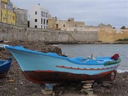 Trapani, pobřeží u bastionu Conca