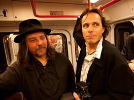 Janek Ledeck� a �entour p�i nat��en� videoklipu v pra�sk�m metru