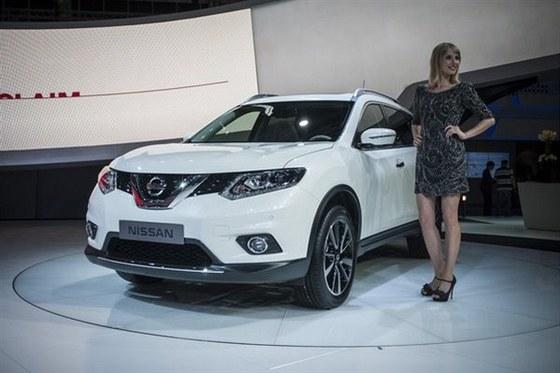 Video - IAA 2013 - Nissan X-Trail p�ekvapil obl�mi liniemi