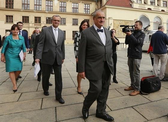 Karel Schwarzenberg a další kandidáti jdou představit předvolební program TOP