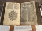 Origin�l Bible kralick� z roku 1613.