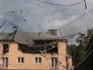 Havířovským domem v neděli ráno otřásl výbuch, zřejmě vybuchl plyn. Odklízení...