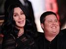 Tak� Chaz Bono, syn zp�va�ky Cher, se narodil jako d�vka.