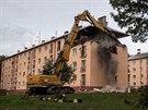 Pád jedné z nosných zdí při bourání čtvrtého patra domu v Havířově-Šumbarku,...