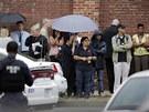 Útočníci podle informací CNN zranili nejméně dalších osm lidí (16. září)