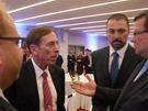 Americký generál a bývalý šéf CIA David Petraeus převzal v Ostravě prestižní