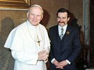 Pape� Jan Pavel II. ve Vatik�nu p�ijal tehdej��ho p�ed�ka polsk� nez�visl� odborov� organizace Solidarita Lecha Walesu. (15. ledna 1981)