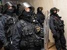 Rozezlené havíře zastavili uvnitř bývalého ředitelství OKD až policejní