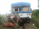 Srážka vlaku a traktoru na železničním přejezdu v Lesůňkách na Třebíčsku.