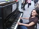 PIANO PRO VŠECHNY. Na nábřeží nechyběl díky projektu Ondřeje Kobzy také klavír....