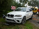 �idi� BMW skon�il cestou z Jino�ova sm�rem k N�m�ti nad Oslavou v rybn�ce....