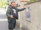 Pavel Koubek vyzdobil části z aut technikou airbrush a vystavil je ve...