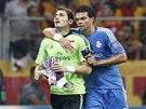 ZRANĚNÝ KAPITÁN. Brankář Iker Casillas, který dělá kapitána Realu Madrid,