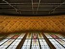 Působivá kavárna pod secesní kupolí na hlavním nádraží získává po letech díky...
