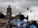 Na zásahu proti učitelům na hlavním náměstí v Mexico City se podílely i