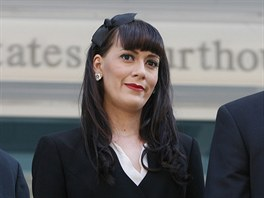 Remee Leeová u soudu se svým bývalým partnerem, který jí podstrčil potratovou...