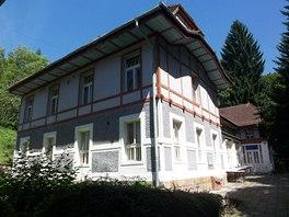 B�val� ml�n p�ebudoval Jurkovi� v roce 1909 na Vodol��ebn� �stav.