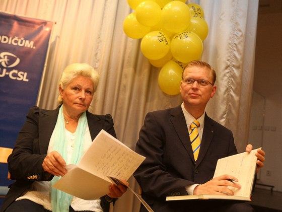 Předseda KDU-ČSL Pavel Bělobrádek a europoslankyně Zuzana Roithová při zahájení