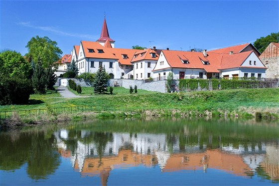 Jílové u Prahy: Dům Mince z roku 1420 a Muzeum těžby zlata