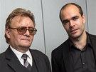 Zdeněk Hájek s Martinem Paciorkem (vpravo) z Centra plastické chirurgie a
