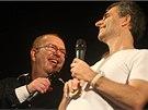 Zpěvák Richard Müller s kapelníkem Braňo Kostkou během vystoupení v Božejově