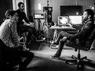 Zp�va�ka Never Sol a producent Jan P. Muchow ve studiu p�r hodin po dokon�en� desky Under Quiet p�i rozhovoru s redaktorem MF DNES.