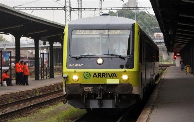 Vlak spole�nosti Arriva poprvé vyjí�dí z Prahy do Kralup nad Vltavou.