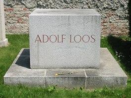 Náhrobek Adolfa Loose ve Vídni