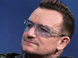 Zpěvák Bono Vox z U2 (25. září 2013)