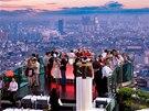 Bar Sirocco v thajsk�m Bangkoku je nejvy�e polo�en�m otev�en�m barem na sv�t�.