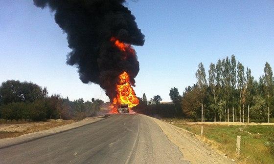 Životně důležitá komunikace Highway 1 po útoku povstalců