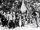 Vo Nguyen Giap se svými jednotkami na snímku z roku 1944.