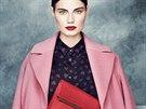 Na první pohled to tak nevypadá, ale růžový kabát je nadčasová záležitost....