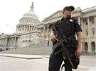 Žena v autě chtěla prorazit zábrany u Bílého domu, policie ji zastřelila (3....