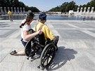 Američtí váleční veteráni navštívili památník druhé světové války ve