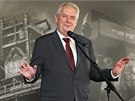 Milo� Zeman p�i projevu k zam�stnanc�m V�tkovic. (1. z��� 2013)