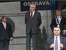 Miloš Zeman na setkání s občany na Prokešově náměstí v Ostravě. Vpravo primátor