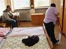 �ivot na ubytovn�ch nen� snadn�, ale lid� nemaj� kam jinam j�t. (1. ��jna 2013)