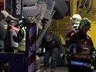 U nehody v Lučanech nad Nisou zasahovaly dva jeřáby, jeden od drážních hasičů a...